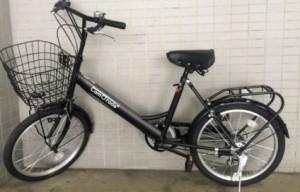 玄関に入る小さめ自転車