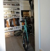 シューズクロークに入る自転車